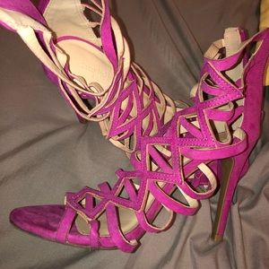 Pink strappy High heels size 7